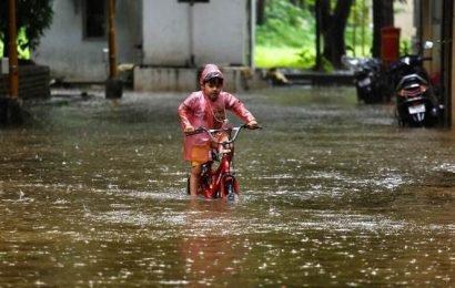 Schools, colleges in Mumbai remain shut due to heavy downpour