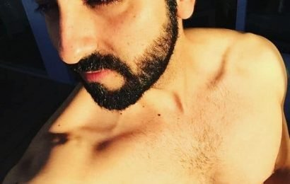 Just 9 shirtless selfies and shenanigans of Ayushmann Khurrana that will turn your day around! | Bollywood Life