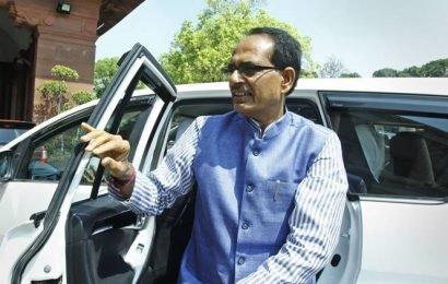 Shivraj Singh Chouhan courts arrest in Madhya Pradesh