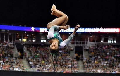 Simone Biles pulls out a magic move from her vault