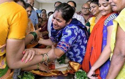 Hasini's body reaches home