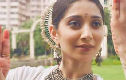 #MondayBlues? Yeh Teri Galiyan's Vrushika Mehta's fusion dance will surely charge you up! | Bollywood Life