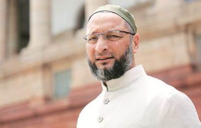 PM Modi met Farooq Abdullah, now he is a threat? Owaisi slams Centre's decision