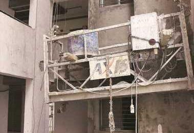 Delhi: Worker dead, 13 injured after lift snaps, falls 3 floors at DDA site