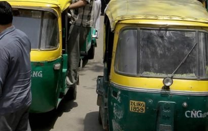 Auto driver held for flashing three students outside JNU gate
