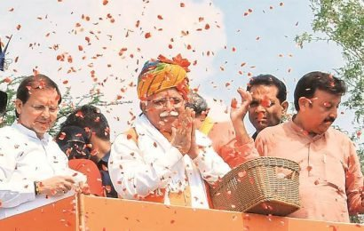 With axe in hand, Khattar tells BJP colleague: Will chop off your head