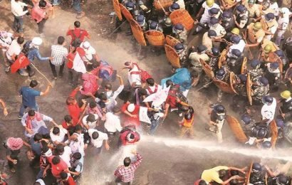 March to demand jobs: Left supporters, police clash near state secretariat, 22 detained