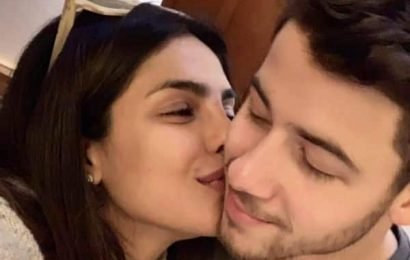 Nick Jonas defends Priyanka Chopra with a hilarious meme after the internet thought she didn't know his birthday!   Bollywood Life