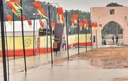 Gujarat receives heavy rainfall, showers forecast till Oct 2