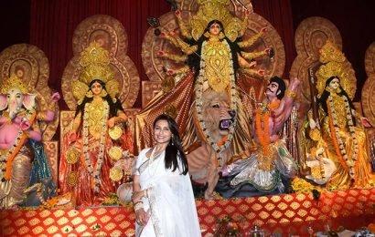 Rani, Kajol, Priyanka celebrate Durga pooja