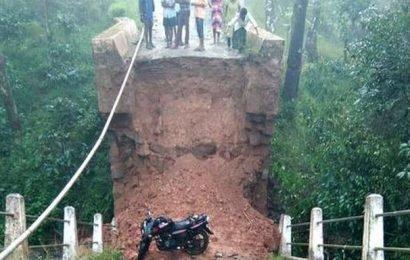 Mudigere bridge collapses after heavy rain