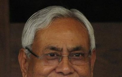 Nitish flags off 'rath' to inform farmers about government schemes