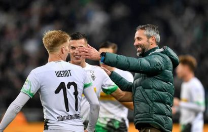Borussia Monchengladbach reclaim Bundesliga lead from Bayern Munich