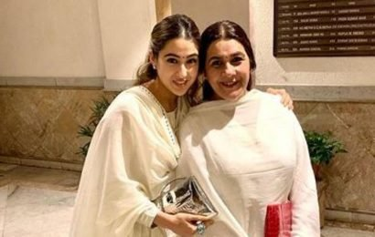 Sara Ali Khan, mom Amrita Singh twin in white on Diwali, she says 'it's all white kind of night'