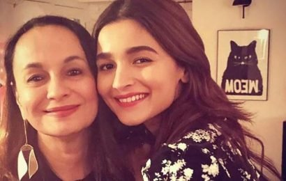 Alia Bhatt misses mother Soni Razdan, finds her handwritten note by bedside. See pic
