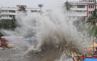 Plastic waste flowing into sea major problem in Mumbai