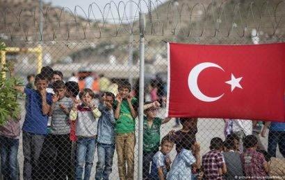 Germany's Horst Seehofer warns of 'refugee wave' bigger than 2015