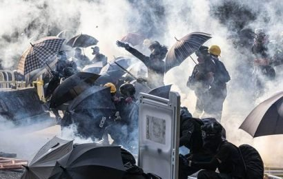Mainland banks, pro-Beijing businesses caught in Hong Kong protest cross-hairs