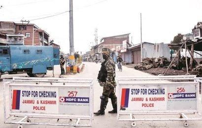 J-K: Militants lob grenade in popular Srinagar market, 5 civilians injured