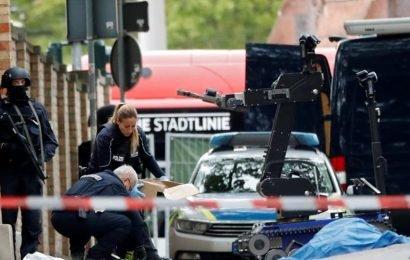 Man kills two at synagogue in Germany, livestreams shooting for 35 minutes