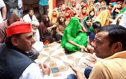 Mayawati, Akhilesh Yadav hit out at UP government