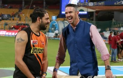 'No one in Manchester is tough,' Yuvraj Singh and Kevin Pietersen banter over United's struggles in Premier League