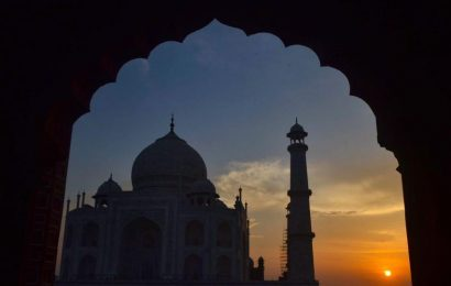 Foreigners, Indians in a mad rush to soak in Taj Mahal's glory in moonlight
