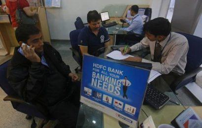 Who will succeed Aditya Puri as HDFC Bank's chief?