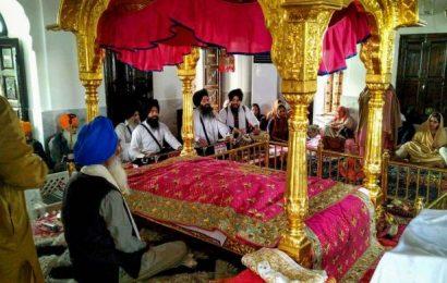 Qureshi says Pak won't charge Kartarpur pilgrims on Nov 9, 12