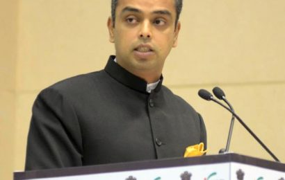Maha Guv should invite Cong-NCP to form govt: Deora