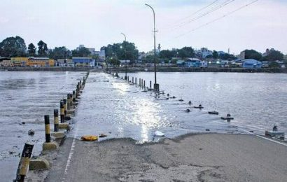 Vaigai river swells; two causeways out of bounds