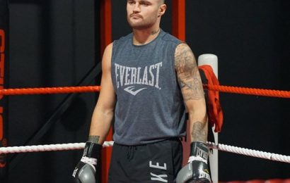 Sports Shorts: Australian boxer dies in training accident