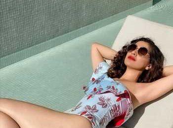 Raai Laxmi's sexy monokini look is Fit n Fab