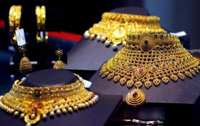 Gold drops ₹301, silver too tumbles ₹906