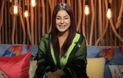 Bigg Boss 13: It's party time!