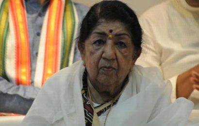 'Lata Mangeshkar's condition critical, slowly improving'