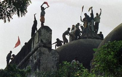 Hindu Mahasabha seeks withdrawal of cases against 'kar sevaks' involved in Babri Masjid demolition