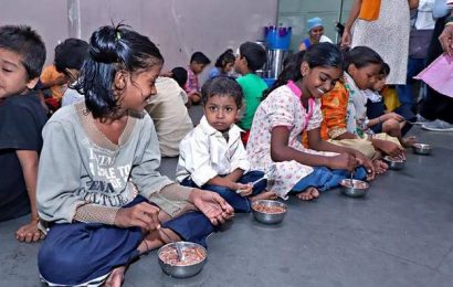 Project to give breakfast covers 5,700 underprivileged children
