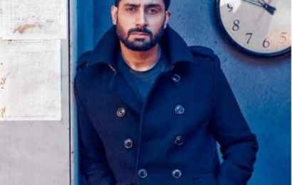 Abhishek Bachchan gives it back to a troll in a calm and cool manner – view tweets | Bollywood Life