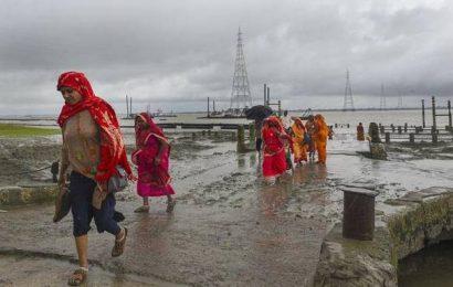 Morning digest: Cyclone Bulbul makes landfall near Bangladesh, Maharashtra Governor invites BJP to form government, and more
