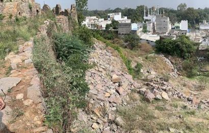 Pipeline work spells doom for moat at Golconda Fort