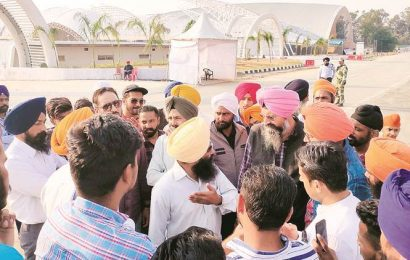 Amid confusion over passport requirement, group bookings, several Kartarpur pilgrims turned away