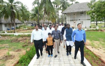 Collector inaugurates beach shack
