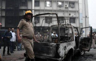 Delhi Police, lawyers clash at Tis Hazari