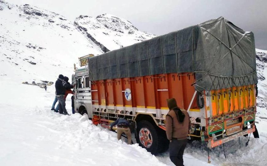 21 stranded near Rohtang pass rescued by BRO