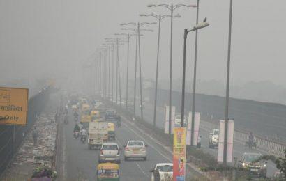 Delhi air marginally better but pollution level still in 'severe' zone
