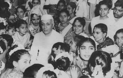 Children's Day 2019: How Twitterati remembered Nehru on his birth anniversary
