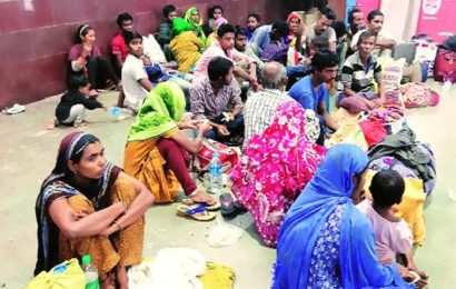 Fleeing 'harassment' in India, 200 held in Bangladesh: reports