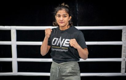 Ritu Phogat knocks out Kim Nam-hee to win on MMA debut