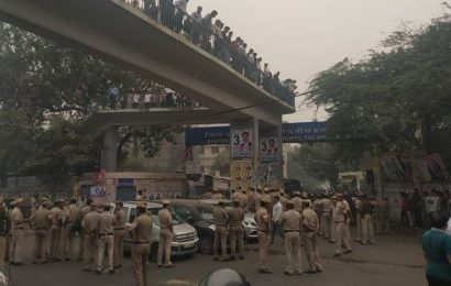 Delhi: Scuffle between police personnel, lawyers at Tis Hazari Court, police vehicle set ablaze